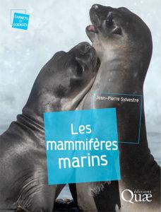 """Couverture """"Les mammifères marins"""" paru aux éditions Quae"""